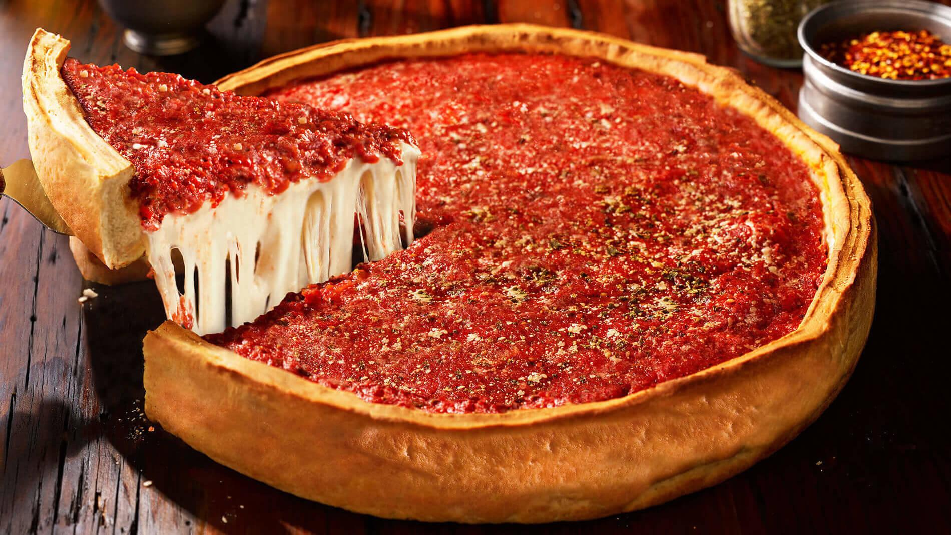 Historia de la pizza de Chicago, la mejor del país