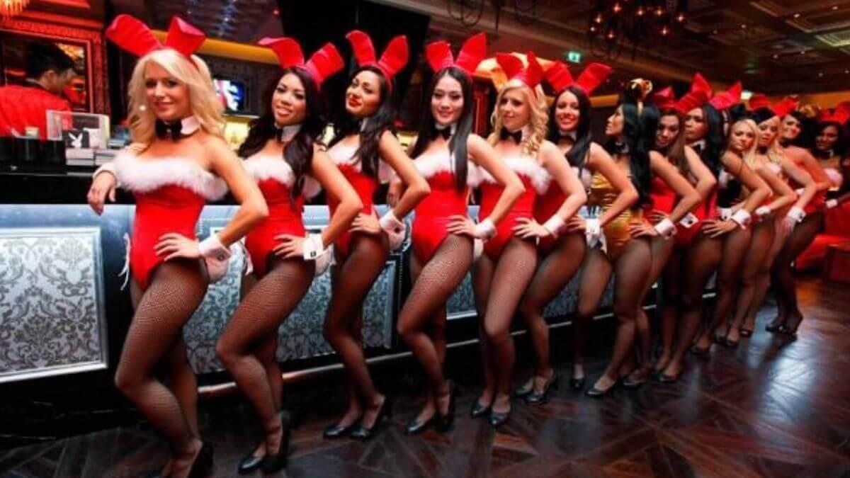 Hugh Hefner lanzó la revista Playboy en Chicago a los 27 años